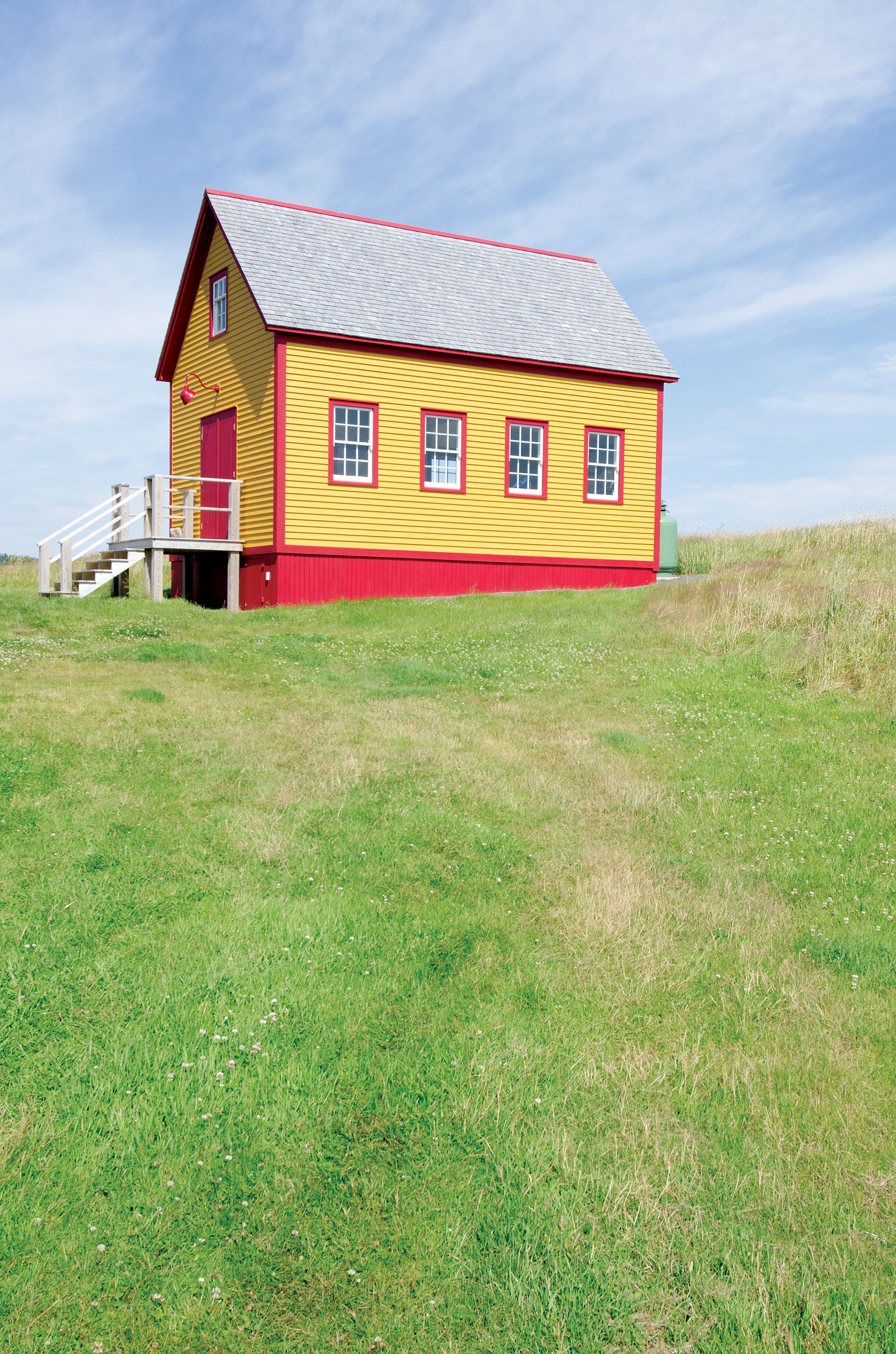 Cabin tour an updated traditional newfoundland house in for Cabins in newfoundland